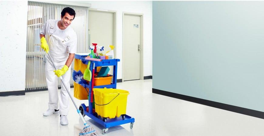 tiempo-laboral-caracteristicas-utiles-de-un-uniforme-de-limpieza