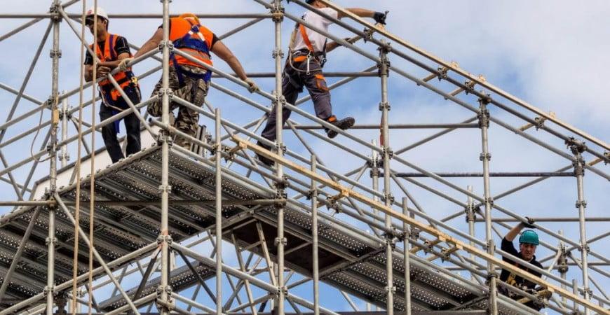 tiempo-laboral-los-cuatro-riesgos-principales-en-la-construccion-y-la-mineria